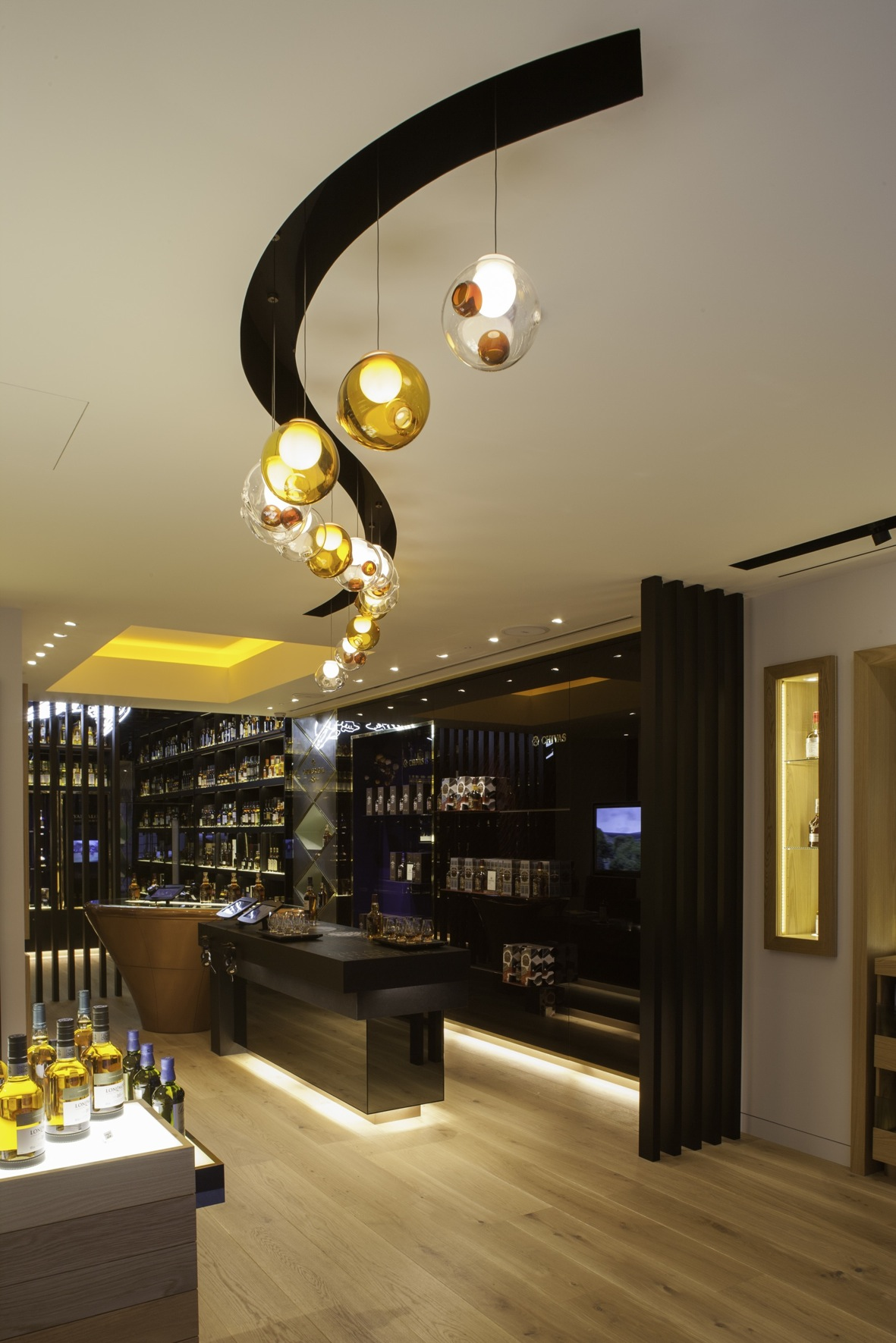 New contemporary whisky store