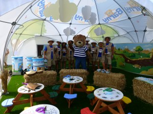 Experiential activity for sponge Barny bear